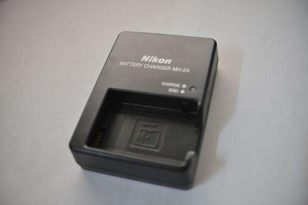 ЗУ Nikon MH-24 для Nikon D3100 1.JPG